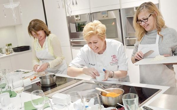 2 For 1 Half Day Cooking Class with The Smart School Of Cookery Amazing Experience 1