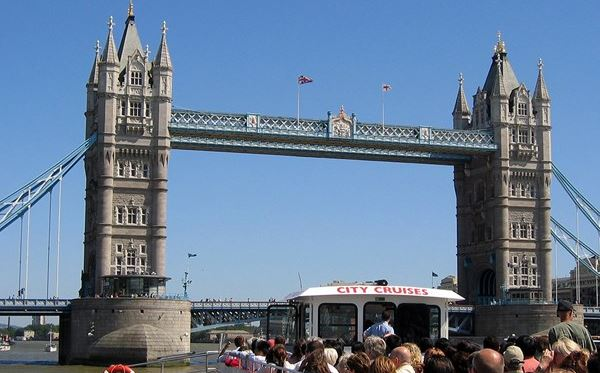 2 for 1 Thames Sightseeing Cruise River Red Rover Pass Amazing Experience 3