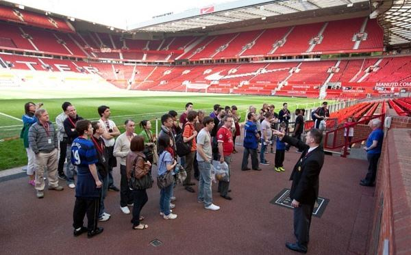 Adult and Child Tour of Old Trafford Amazing Experience 1