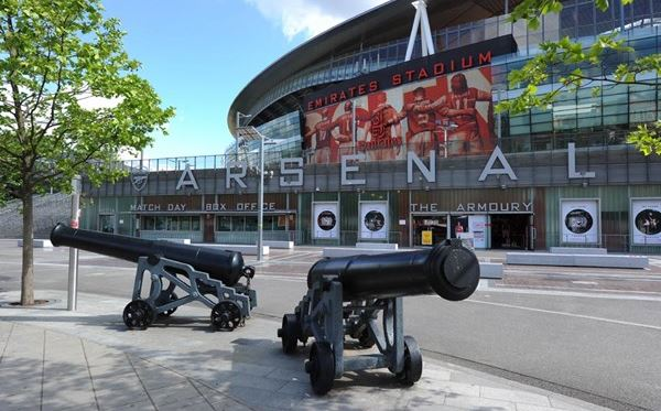 Adult Emirates Stadium Tour for Two Includes Branded Earphones Amazing Experience 2