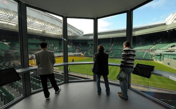 Adult Wimbledon Tennis Tour for Two Amazing Experience 3