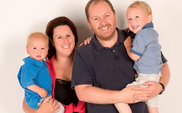 Family Photoshoot with a 50 off voucher - UK Wide Special Offer Amazing Experience 1