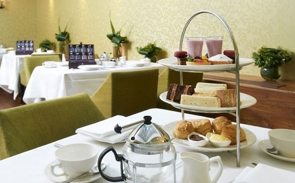 Traditional Afternoon Tea for Two at the Hilton London Islington Amazing Experience 3