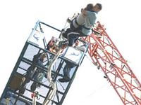 Lovers Leap - a bungee jump for two with bubbly