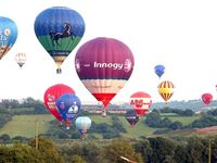 Champagne Balloon Flight for Two Experience Day